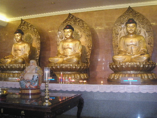 Staues of Buddha Sidharta Gautama in the Great Hall of Buddha Sakyamuni