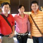 Tour Guides, Liang Chi Ping(left) and Tracy Tu(sentre) and Leader, Kim Loh(right)